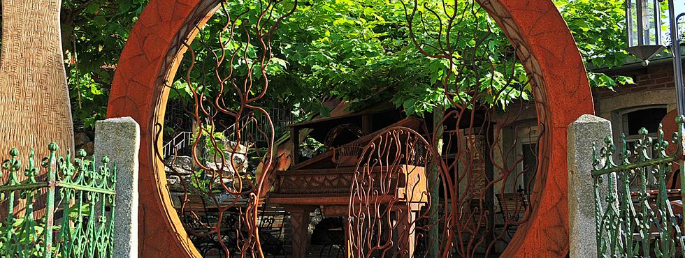 Degen die kunst des gartens for Gartendeko aus stein und metall